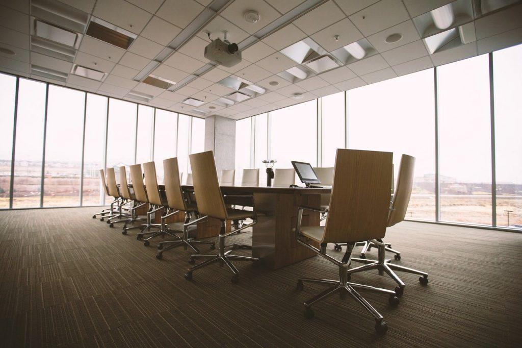 A importância de uma boa cadeira de escritório para uma correta postura corporal 2